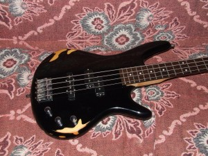 relic electric bass (3)