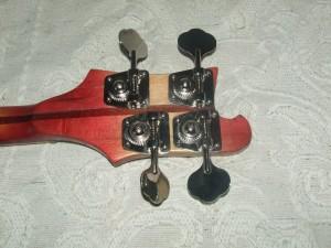 Guitarra Baixo Rickenbaker restaurado (2)